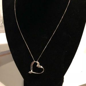 Jewelry - 🎉Sterling Silver Heart Necklace for Mom🎄